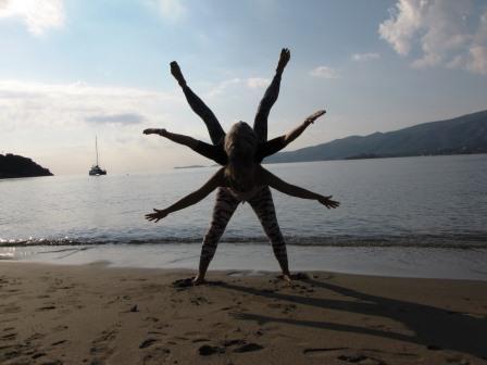 Nieuwsbrief: Yoga met Suus: m'n moeder op m'n rug!