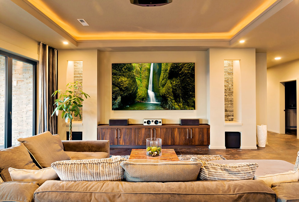 In-Home%20Theater%20in%20Luxury%20Home_e