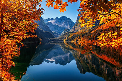 Autumn on Lake Gosausee in Salzkammergut, Austria.jpeg