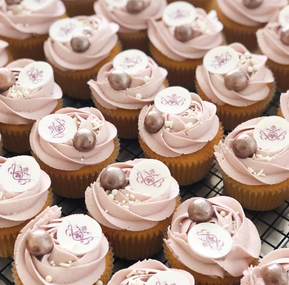 Brazilian Beauty Branded Cupcakes