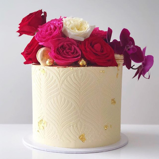 Absolutely in love with this cake!! I fe