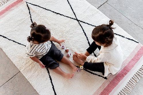 שטיח מעוינים גדולים בשילוב ורוד
