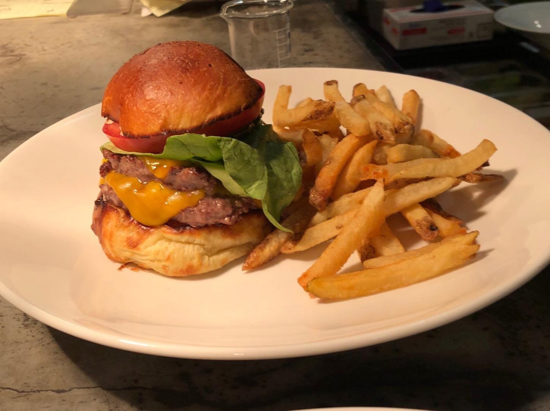 Double Cheeseburger_edited