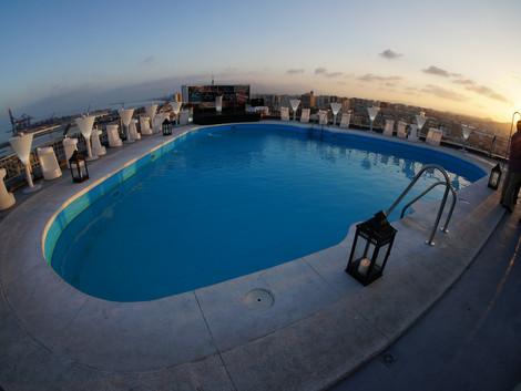 Najlepsze zachody słońca na tarasie Hotelu Marriott