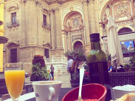 W ten ostatni dzien w roku...czas na dobra kawe i dlugie sniadanie w Maladze :)