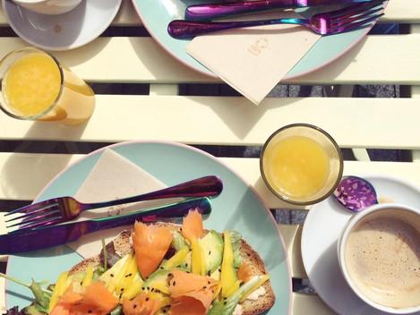 Sniadanie w Desal