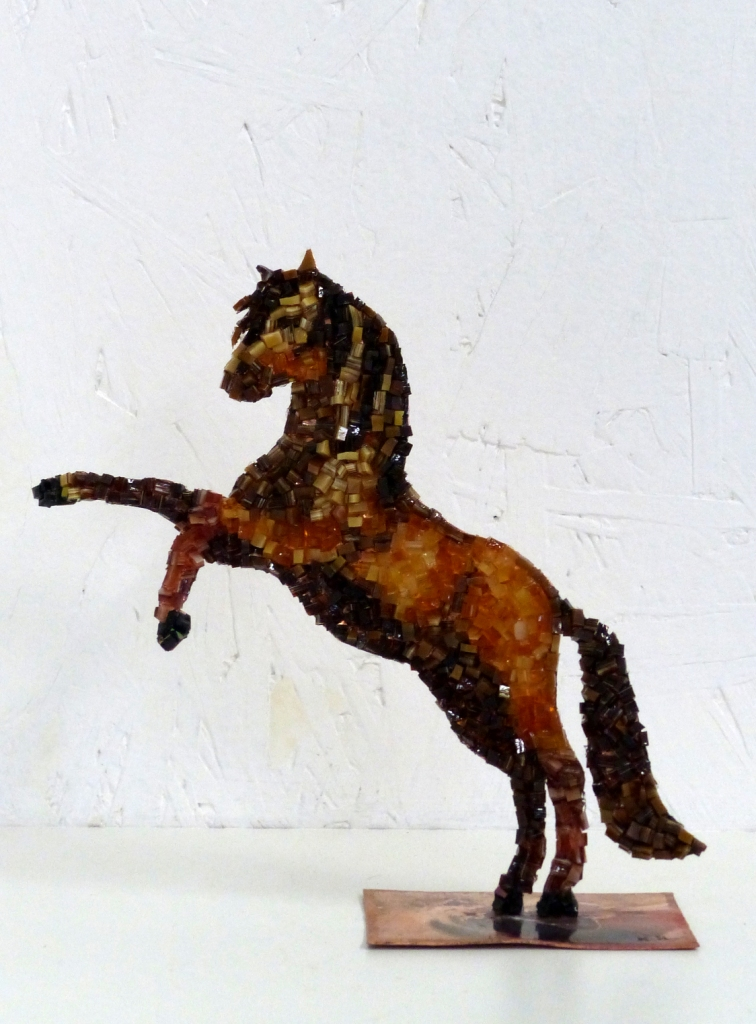 Cheval en cuivre et mosaïque n°1