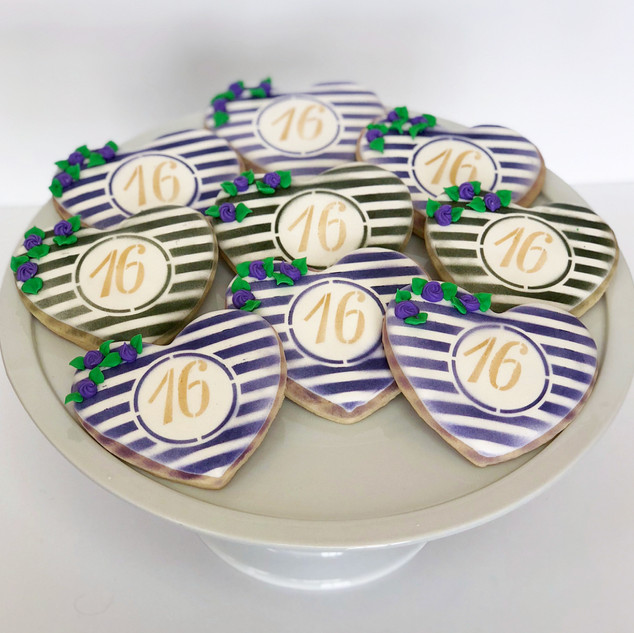 16 Heart Cookies