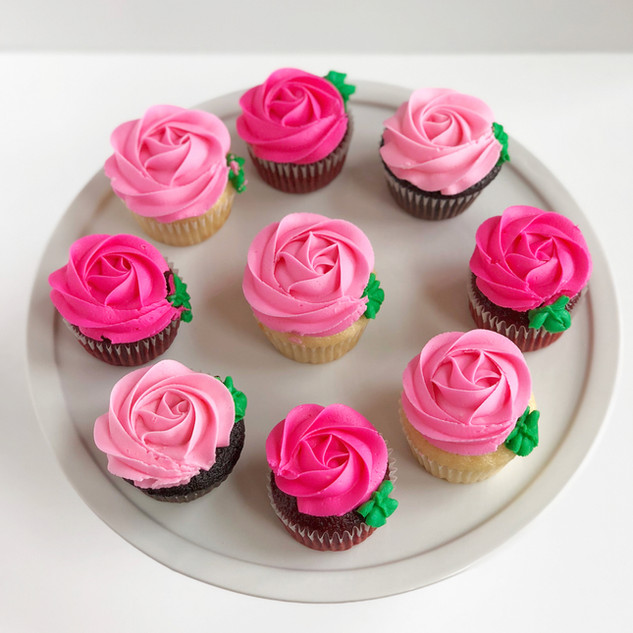 Rosette Cupcakes with Leaves