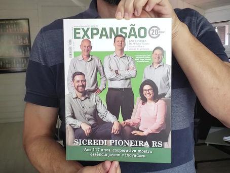 """Água mineral Fonte da Lomba em ação no aniversário da revista """"Expansão"""""""