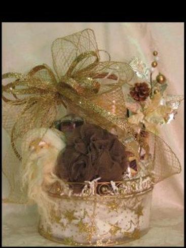 "Christmas Basket ""Ladies Golden Christmas"""