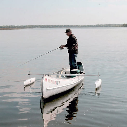 Using canoe outriggers to fish.