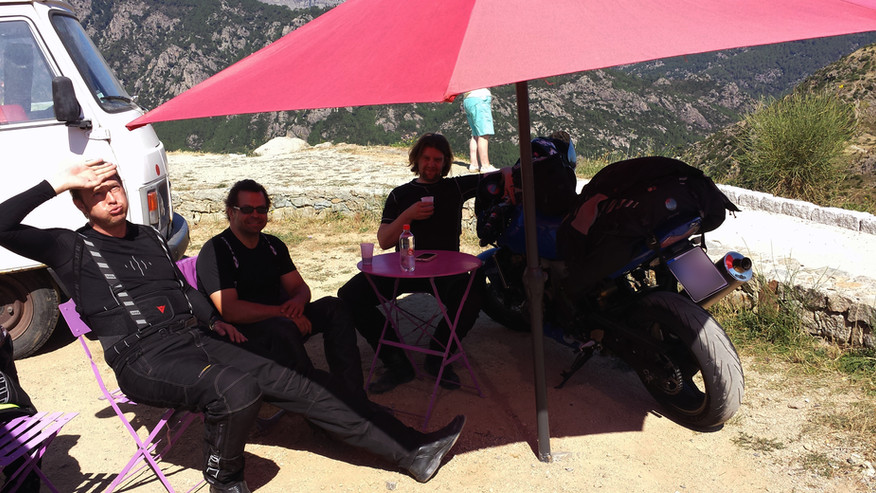 André Schmitt - Tourguide bei ROOKiE-TOURS Motorradreisen, ein Platz an der Sonne - in Korsika.