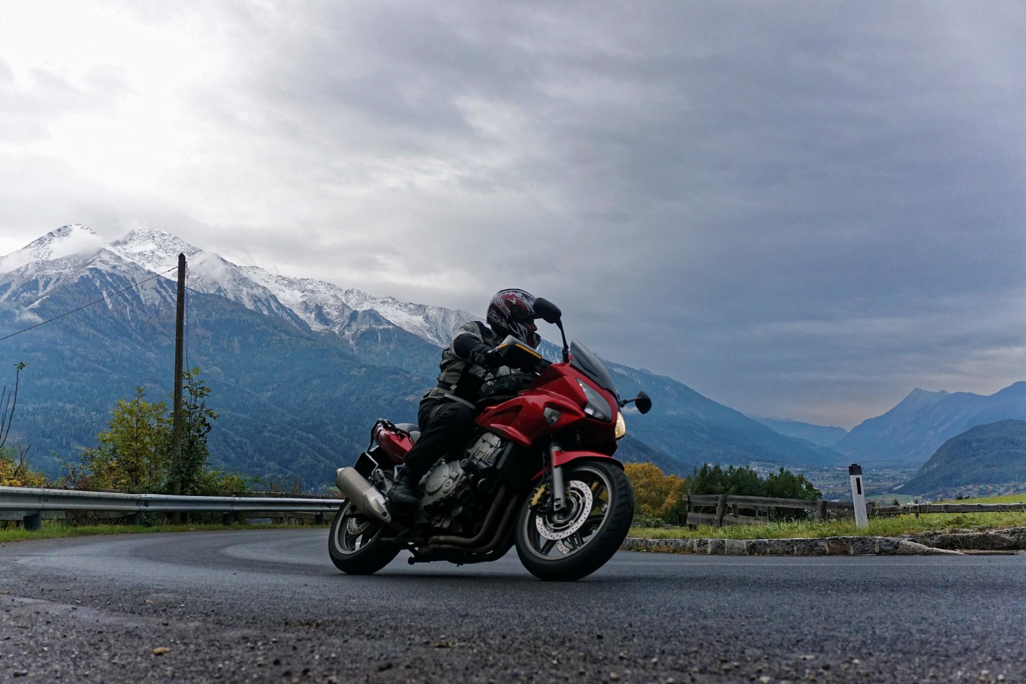 Kurventraining in den Alpen
