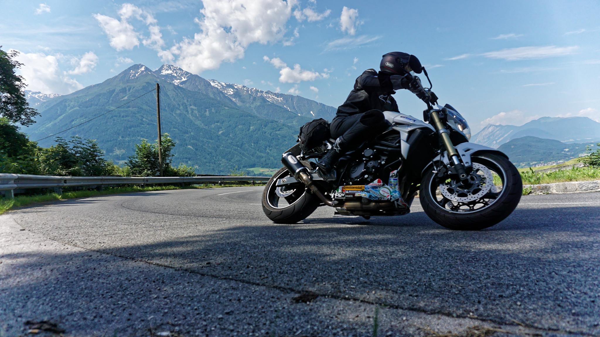Kurven Gaudi Alpen