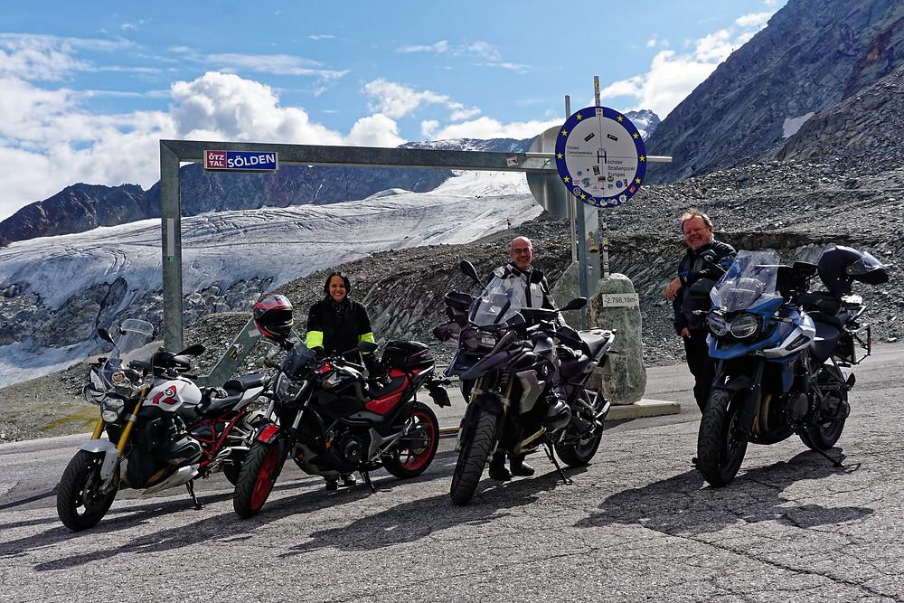 Mit ROOKiE-TOURS Motorradreisen am höchsten Straßenpunkt Europas