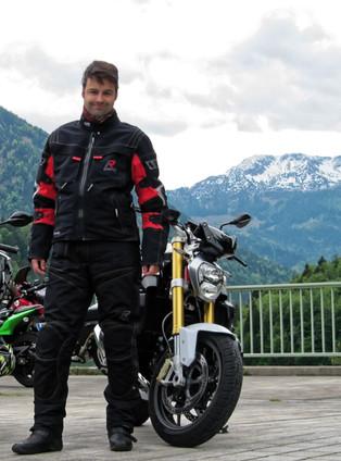 Oskar Stübinger - Inhaber und Tourguide ROOKiE-TOURS Motorradreisen