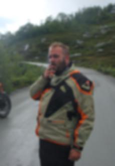 Jojo bei einer Pause bei ROOKiE-TOURS Motorradreisen