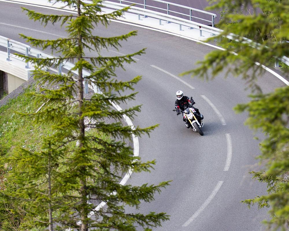 Kurvensurfen auf Motorradtour