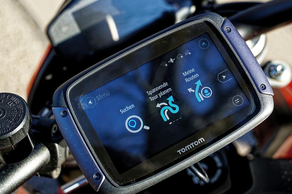 Das Display des Rider 550 spiegelt leider ziemlich stark