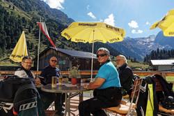 Mittagspause Motorradurlaub Alpen