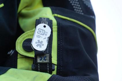 UTAG ICE Notfall-Armband und Dog Tag für Motorradfahrer