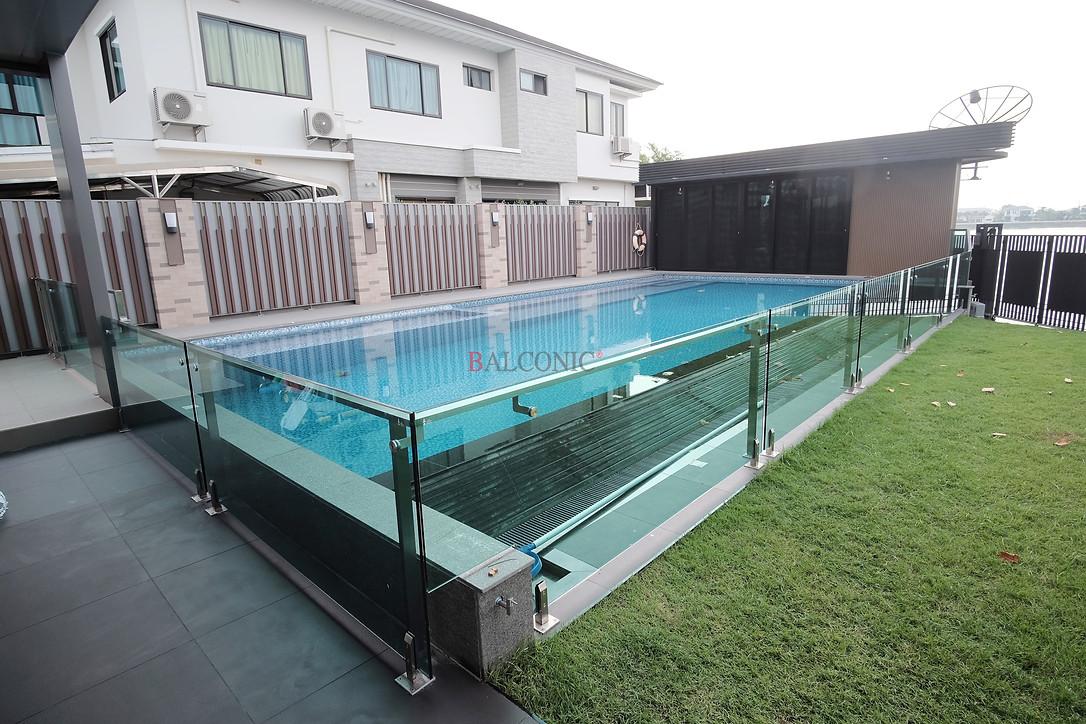 ราวกันตก สระว่ายน้ำ กั้นประตูทางเข้าสระว่ายน้ำ