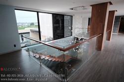 ราวบันได กระจก ไม้มะค่า Stainless Wood Balustrade Balconic Stair