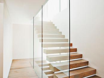 Staircase Design: อย่าปล่อยให้บันไดของคุณเป็นพื้นที่ที่สูญเปล่า