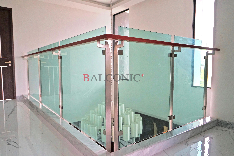 ราวระเบียง balconic กระจก สแตนเลส สั่งทำ