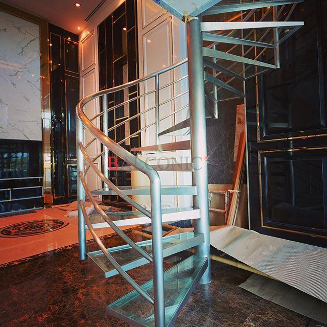 บันได สเตนเลส กระจก เทมเปอร์ ลามิเนท 20 mm.