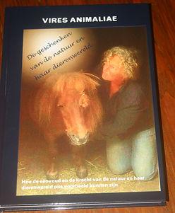 Voorkant boek Vires Animaliae