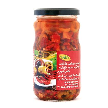עגבניות מיובשות קצוצות עם זיתים ירוקים קצוצים