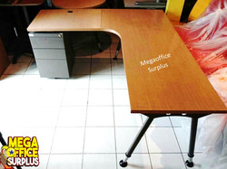L shape Office Manager Table megaoff