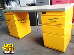 Megaoffice Surplus Table with lock