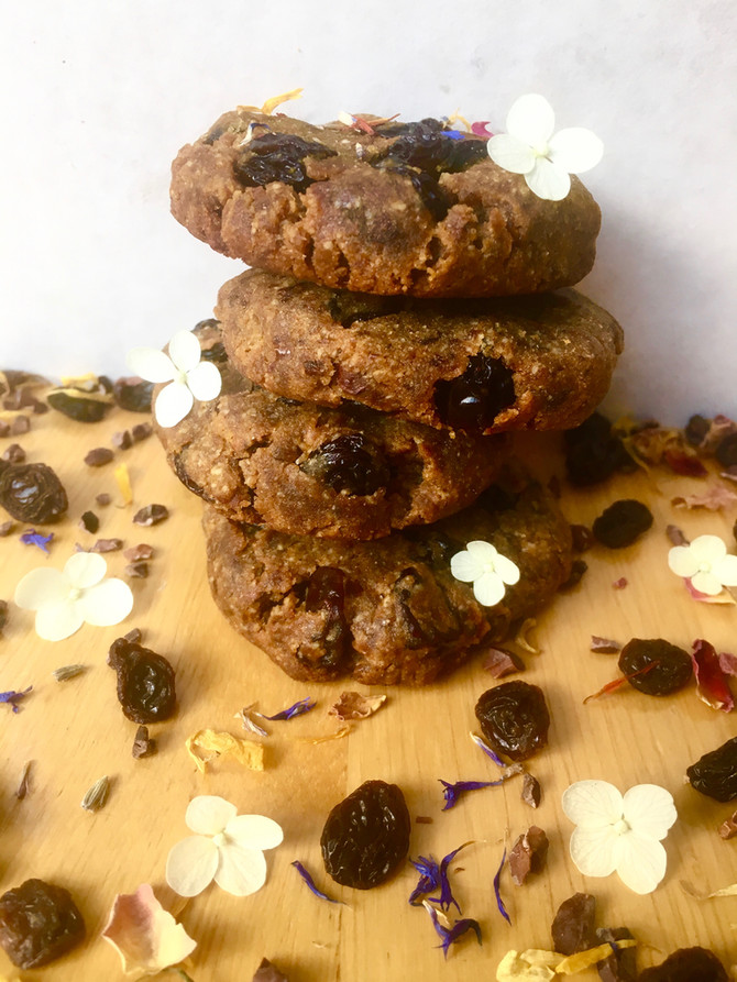 Maca & Cherries Almond Cookies (vegan, gluten & grain free)