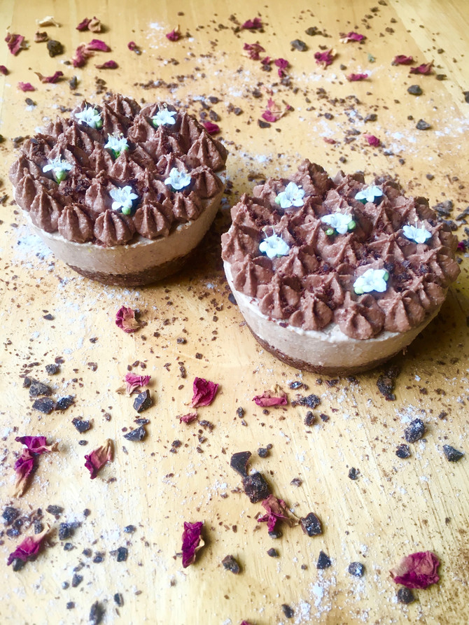 Mini Cappuccino Cacao Yogurt Cakes (vegan, raw, gluten & grain free)