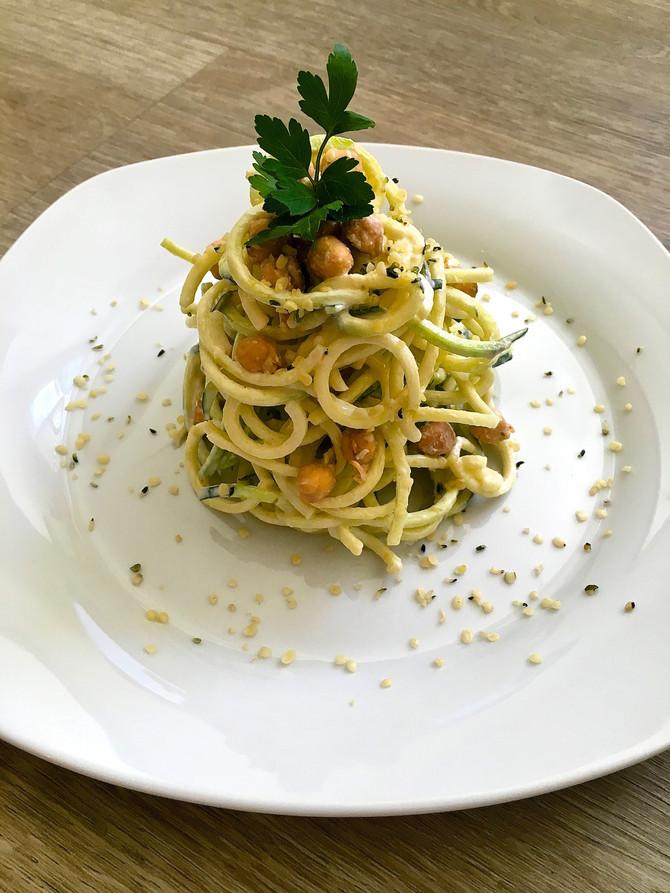 """""""Pasta e Ceci"""" - Raw Chickpea Zucchini Pasta"""