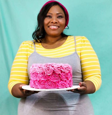 swirly girly pink cake good pic.JPG