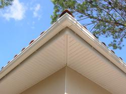 Débord toiture PVC