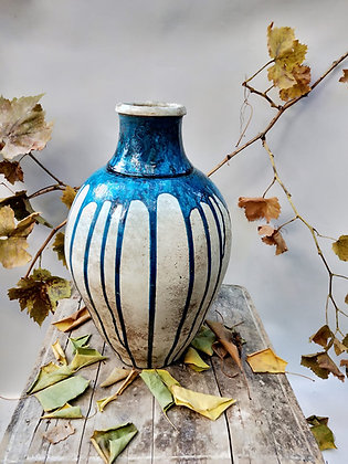 Amphora Vase A-25