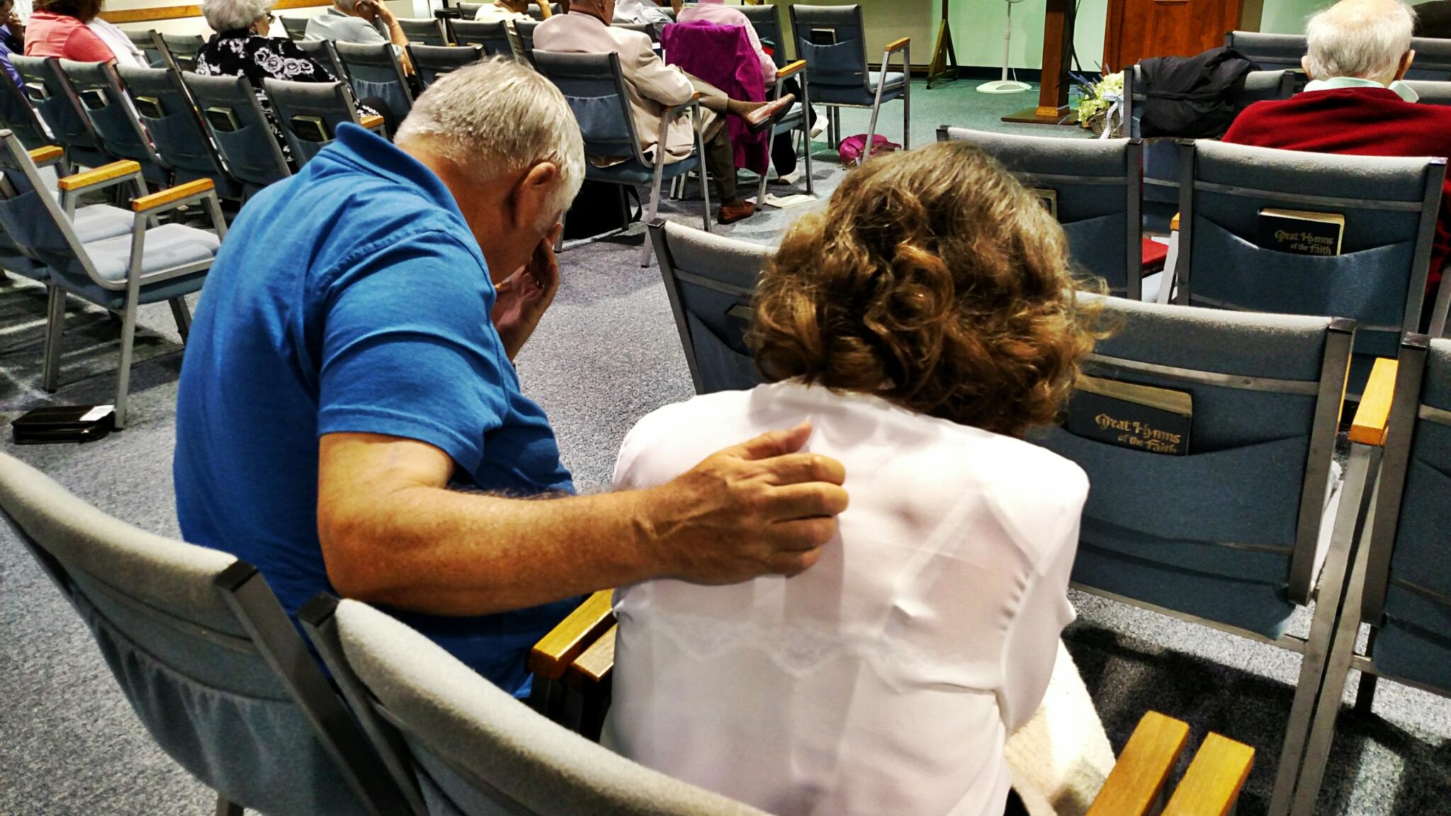 Craig & Alice praying