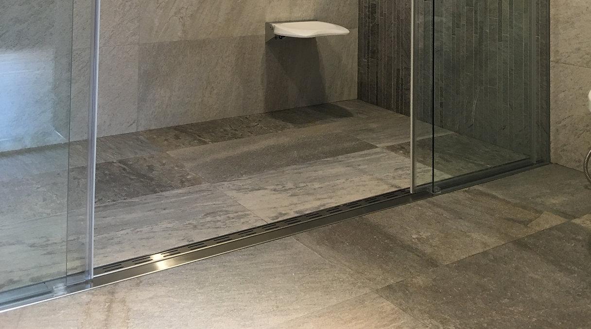 新型浴室無障礙集水槽,集水槽,地板無障礙,視覺無障礙,洩水無障礙,清潔無障礙,防臭,不銹,排水迅速,乾溼分離