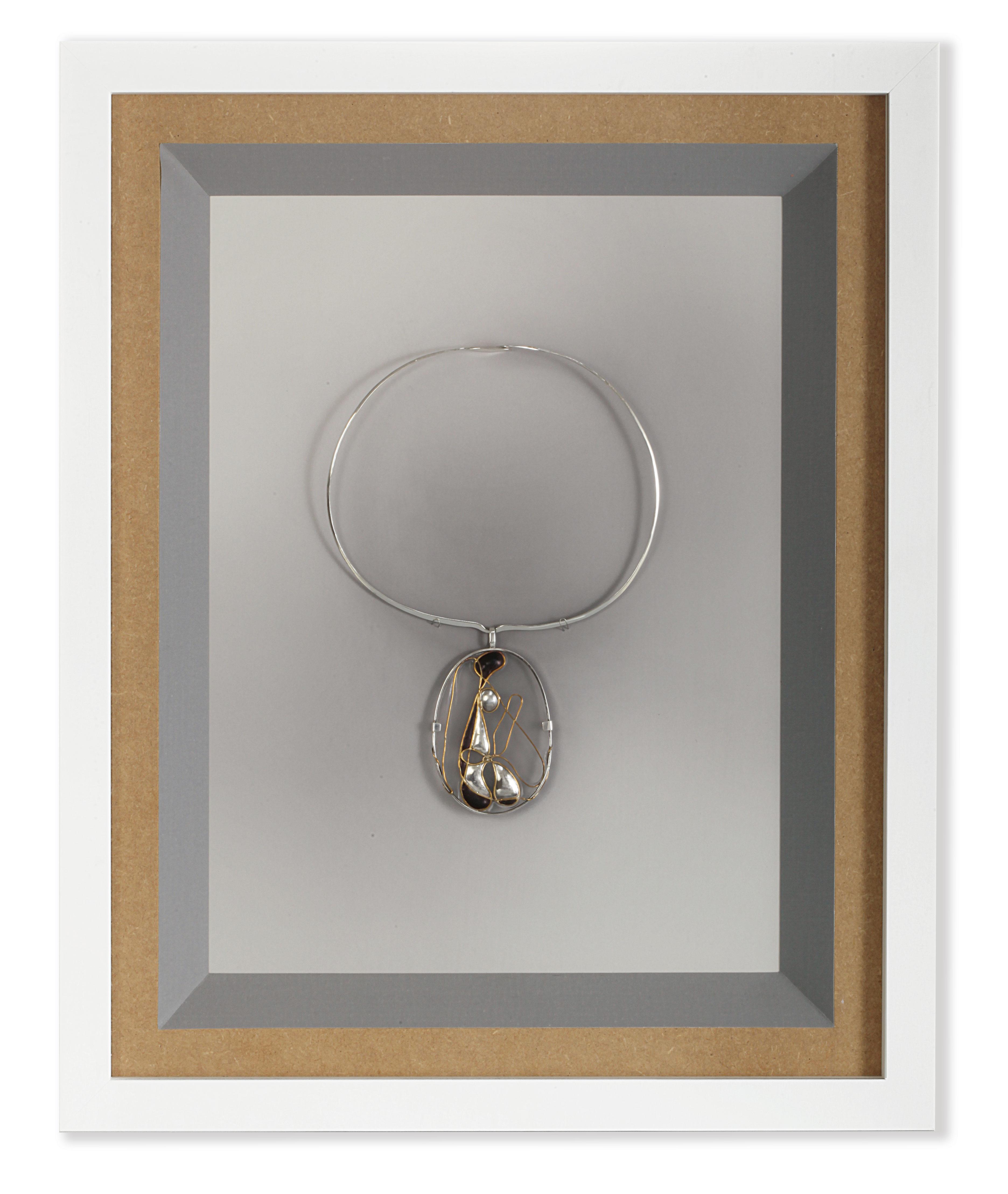 motherhood neckpice on frame