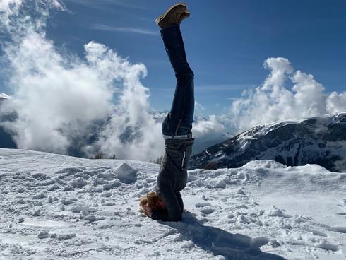 Yoga Haltung Shirshasana