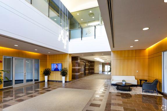 Lobby (7).jpg