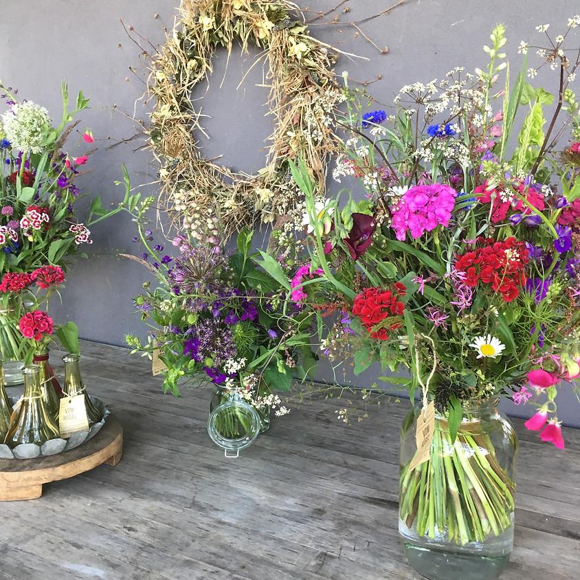 MUTTERTAG Kreativ - gemeinsam Blumen binden
