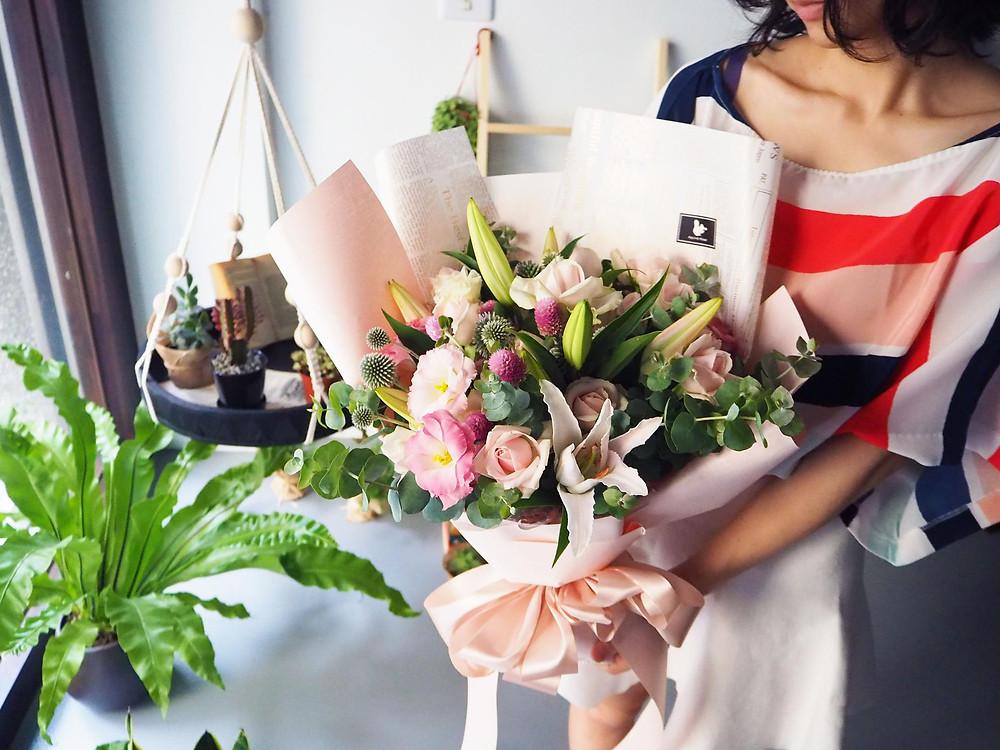 母親生日花束百合花束
