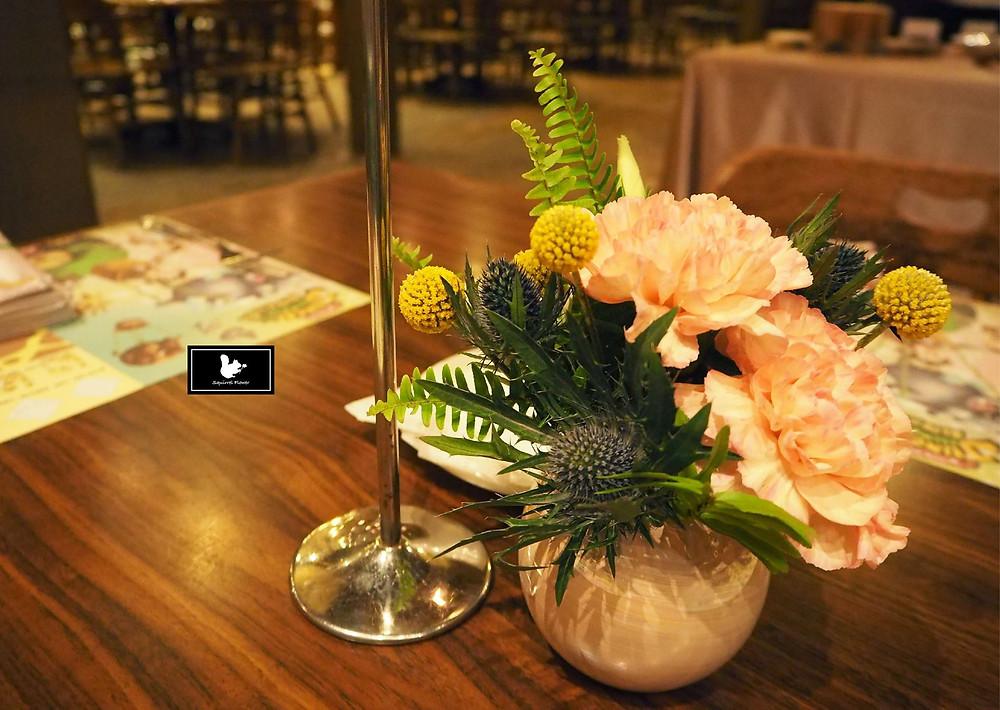 客桌桌花設計