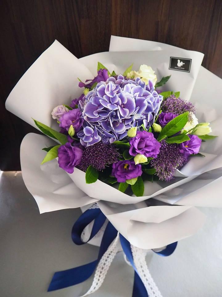 紫色繡球花束